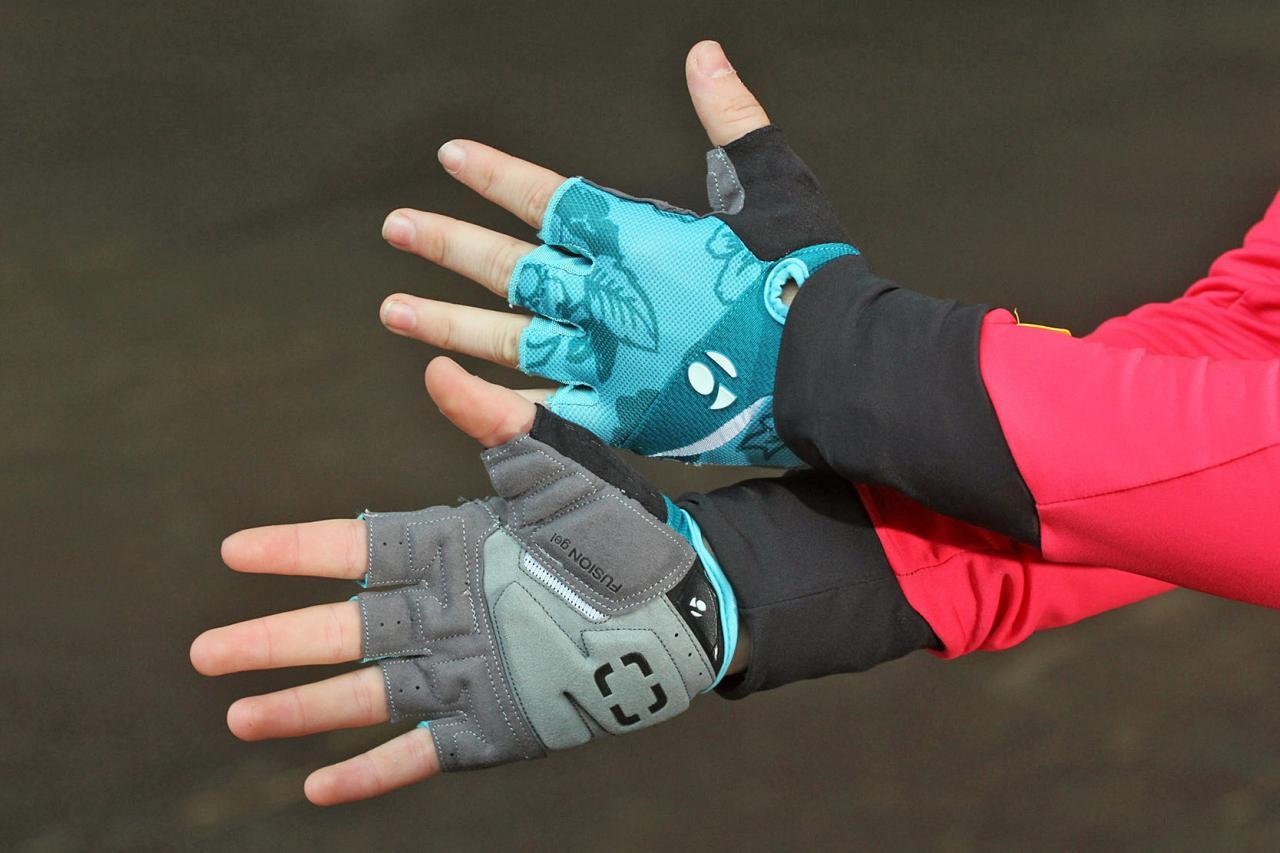 Bike Gloves Bontrager Sport Gloves BABY BLUE SMALL 3