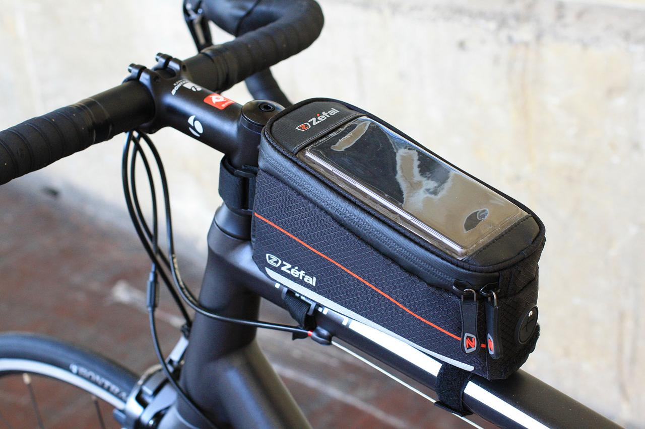 Phone Holder And Front Tube Bag 0.75 L Capacity Zefal Z Console Pack
