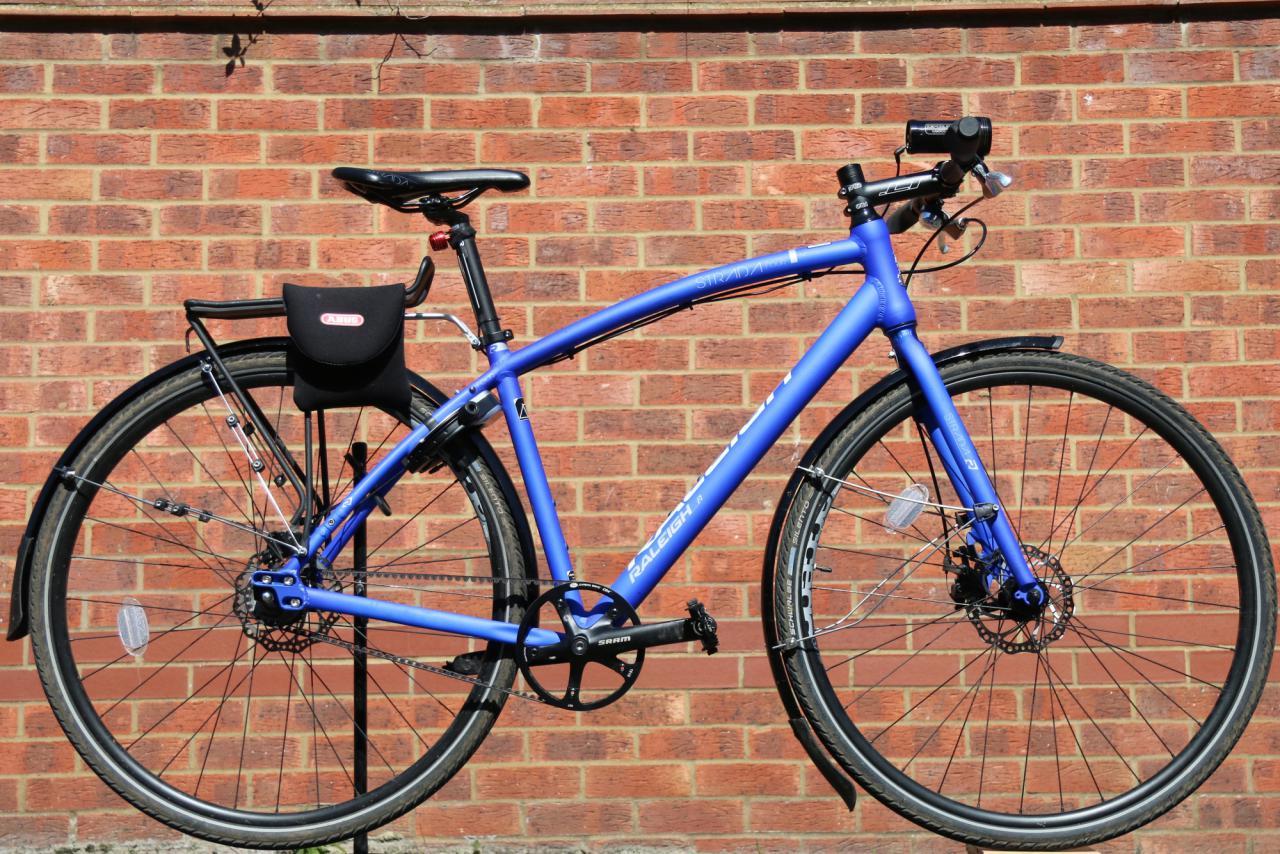 The New VP-831P Flat Platform Urban City Bike Pedal with Sand Paper Grip Zone