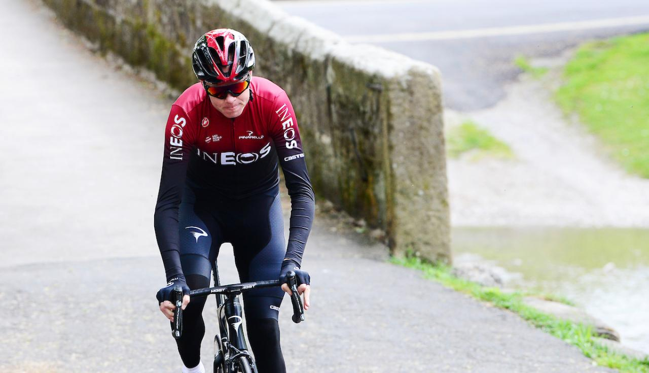 """Sir Bradley Wiggins tips """"amazing athlete"""" Chris Froome to bounce back from injury"""