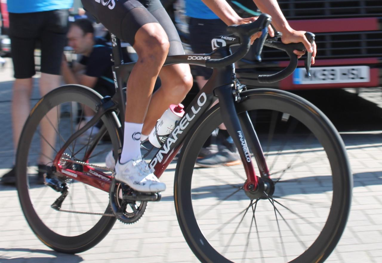 Top tech trends at the Tour de France: how pro bikes are evolving ...