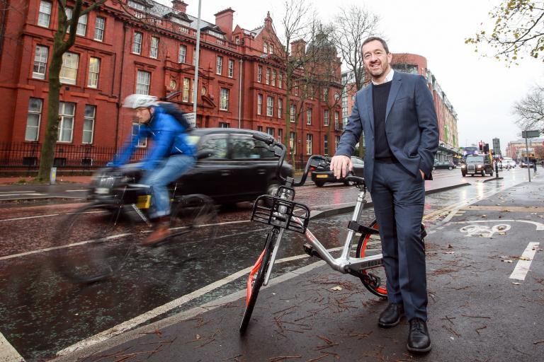 1 millionth Oxford Road cycle journey - Chris Boardman (credit - Chris Foster).jpg