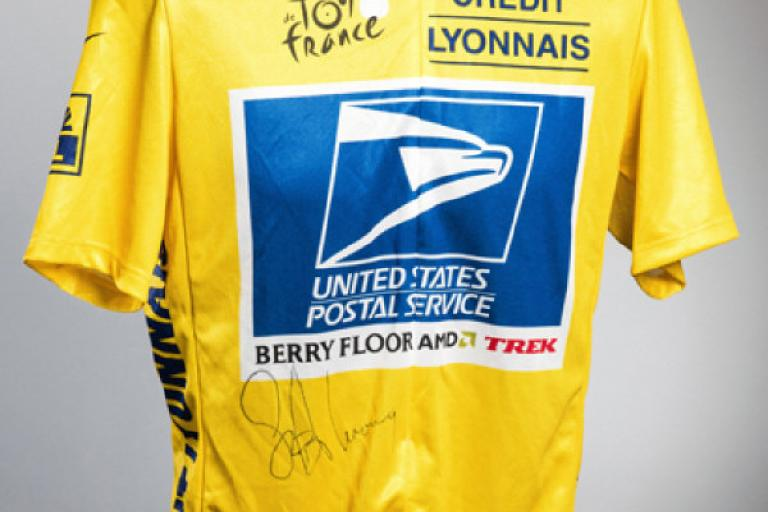 2004 Lance Armstrong yellow jersey (source Graham Budd Auctions).jpg