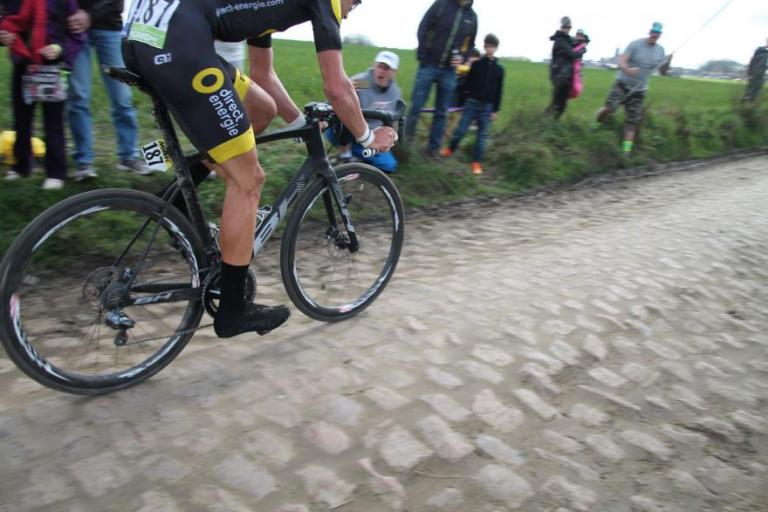 Adrien Petit on disc brake equipped bike, Paris-Roubaix 2016 (pictiure Mat Brett).jpg