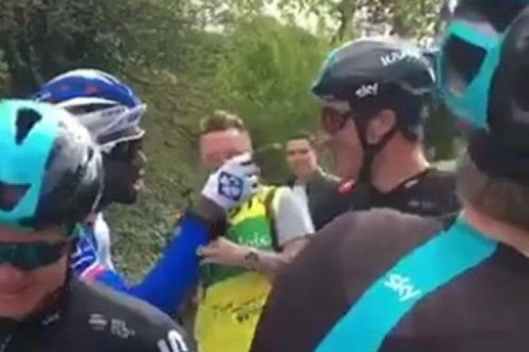 Argument between Gianni Moscon and Kevin Reza (via Twitter).jpg