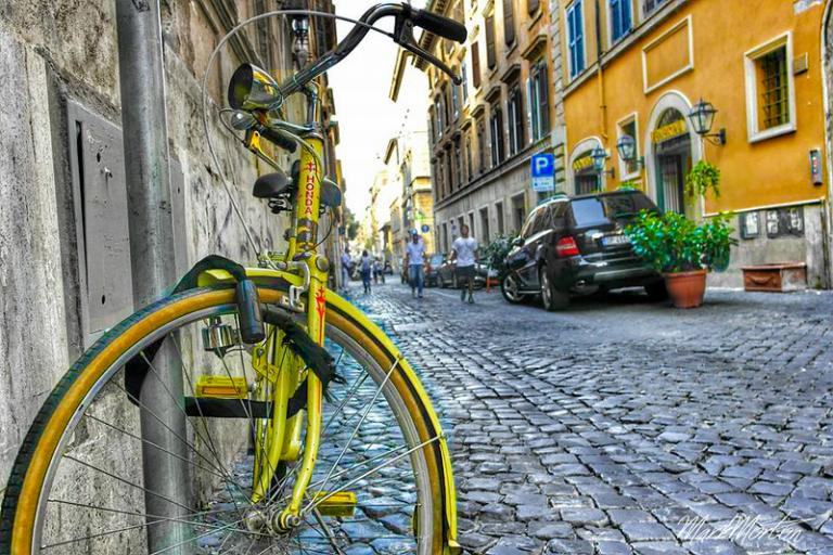 Bicycle in Rome (CC BY 2.0 by Mark Morton on Flickr)