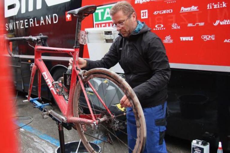 bike-cleaning-1.jpg