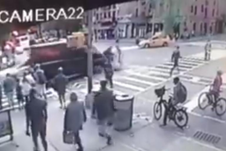 Bike owner uses his van to rear-end thief in New York City.PNG