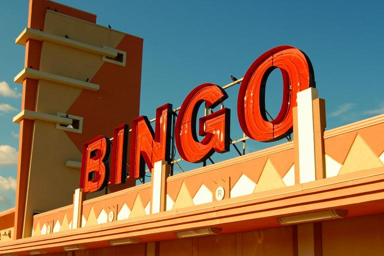 Bingo sign (CC BY-SA 3.0 by Peter Rimar on Flickr)