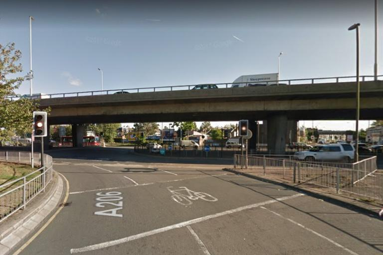 Blackwall Tunnel Southern Approach junction with Woolwich Road (via Google Street View).PNG