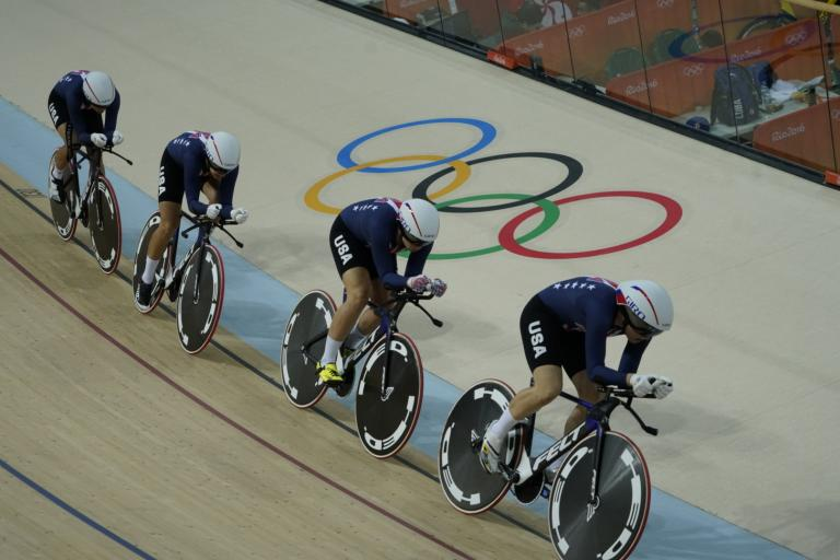 Kelly Catlin heads USA team pursuit squad at Rio 2016 (licensed CC BY SA 4.0 by Colin333)