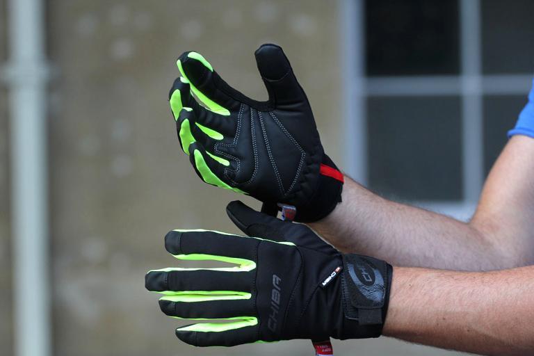 Chiba Tour Plus Windstopper Glove.jpg