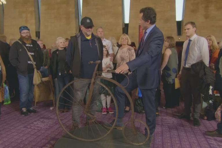 Child's penny-farthing on Antiques Roadshow (picture credit BBC).PNG