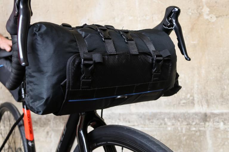 BBB cycling front fellow handle bar bag-1