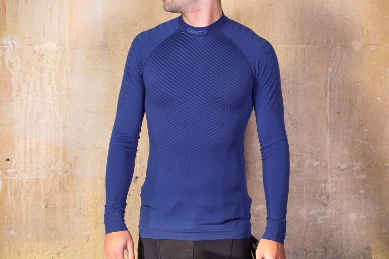 Clothing, Shoes & Accessories Black Carefully Selected Materials Activewear Tops Craft Active Extreme Windstopper Mens Short Sleeve Top