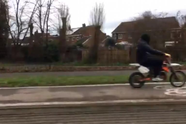 Cycler path mototbike rider (via Jeremuy Vine on Twitter).PNG
