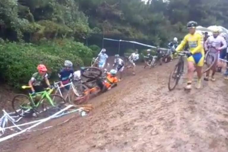 Cyclo-cross chaos (Marcin Motyka on Facebook).JPG