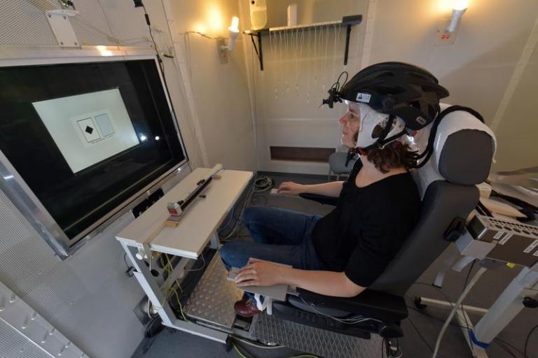 Dr Barbara Schmidt demonstrattes helmet study