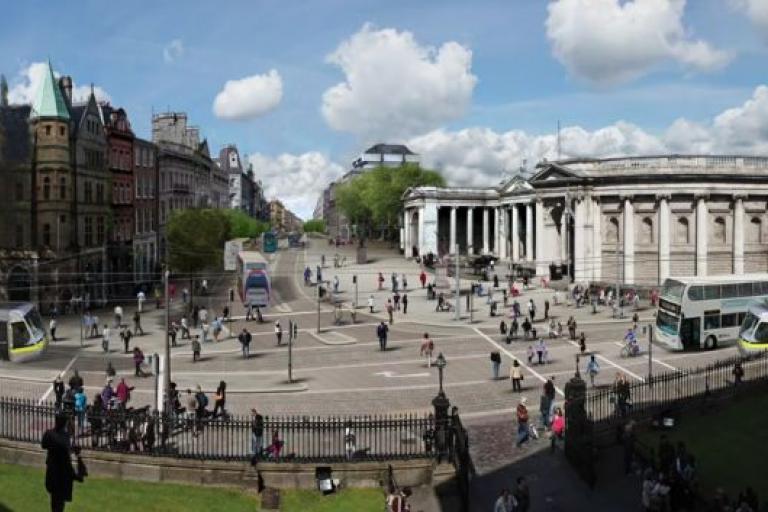 Dublin's College Green (source Paddy Smyth on YouTube).JPG