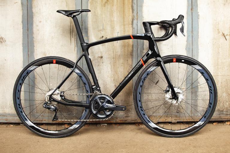 Eddy_Merckx_525_Black_Bike_03_Copyright_Eddy_Merckx