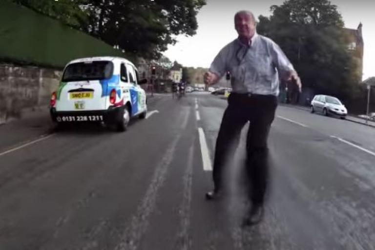 Edinburgh taxi driver (source Another Edinburgh Cyclist YouTube still).JPG