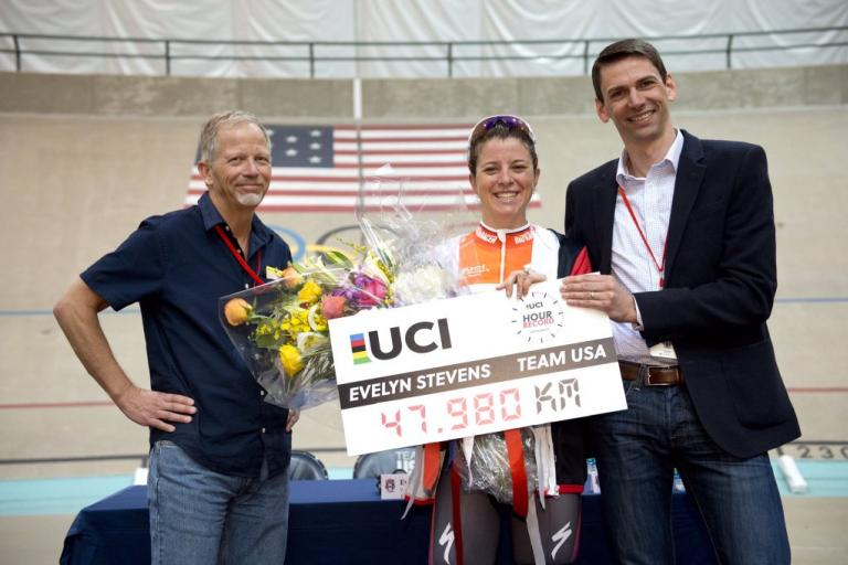 Evelyn Stevens Hour Record (source UCI on Twitter).jpg