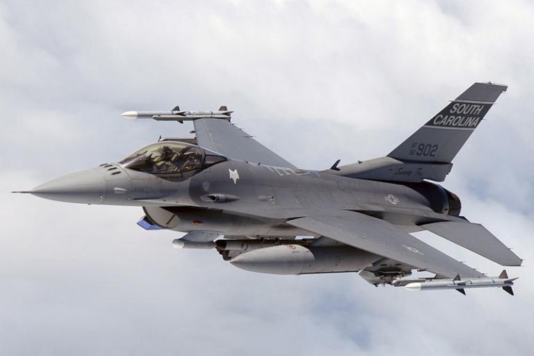 F16 Flying Falcon (public domain)