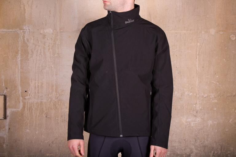 adcce982edc 10 of the best high-visibility winter cycling jackets from £25 to ...