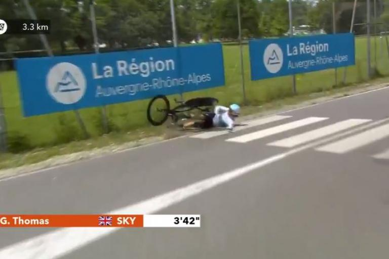 geraint_thomas_dauphine_2018_crash_via_twitter.jpg