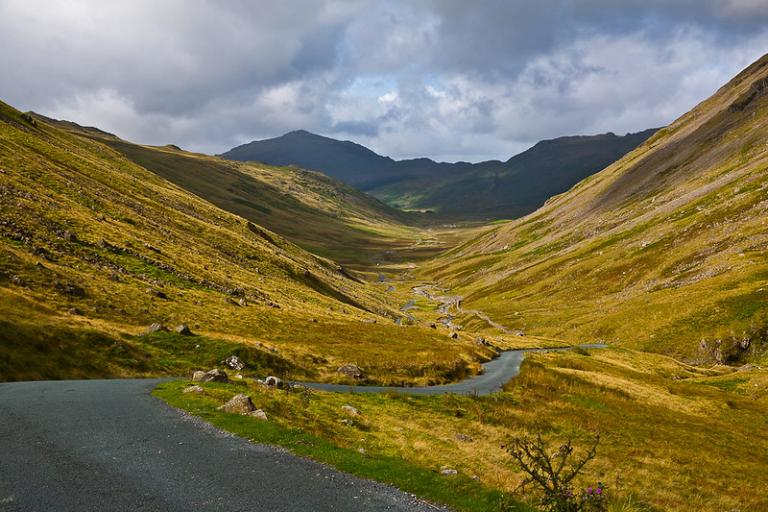 Hardknott Pass - licensed CC BY-ND 2.0 by kenugee on Flickr