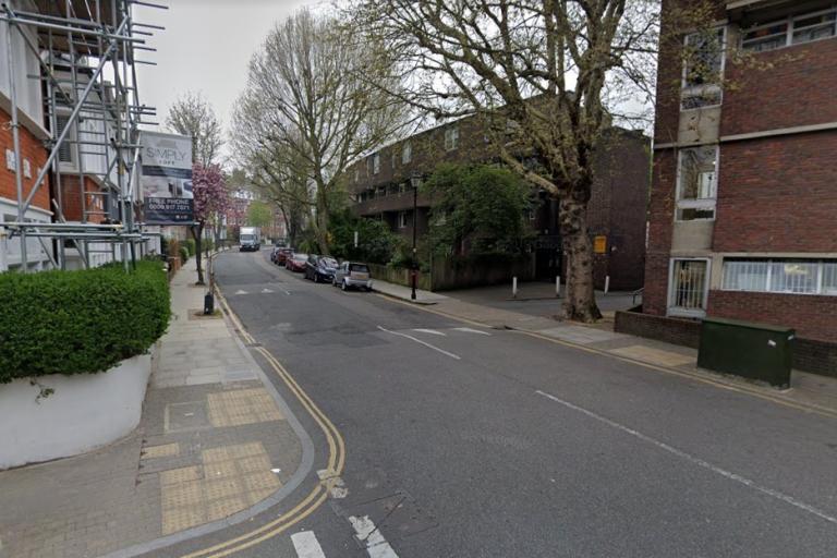 Highbury Crescent (StreetView)