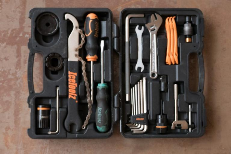 82b7d718774 icetoolz-essence-tool-kit-review-100.jpg