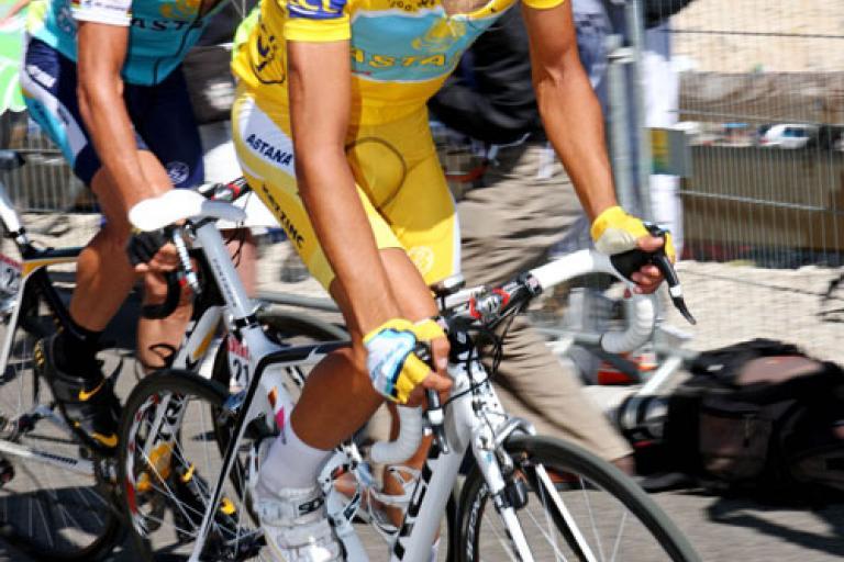 Contador and Armstrong on Mont Ventoux (Photosport International)