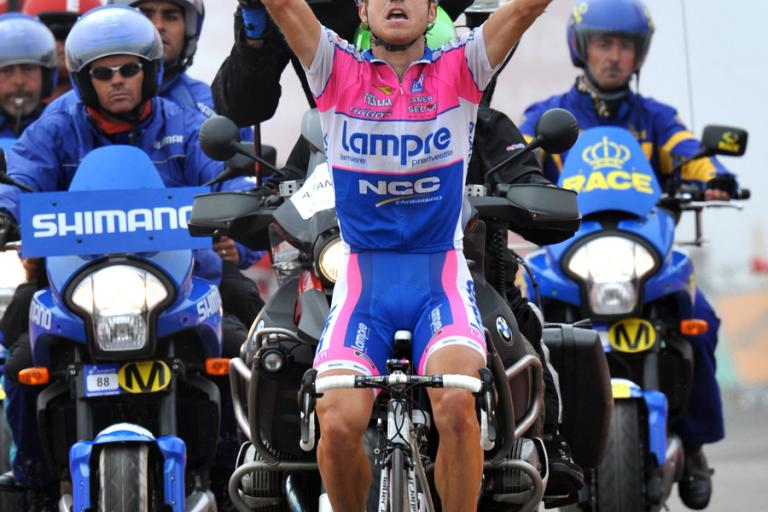 Damiano Cunego celebrates winning Stage 8 of the 2009 Vuelta © Unipublic