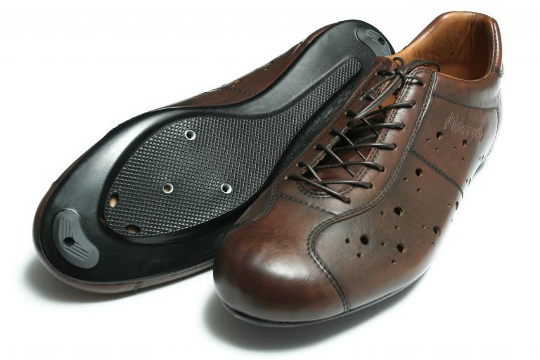 Dromarti race shoes