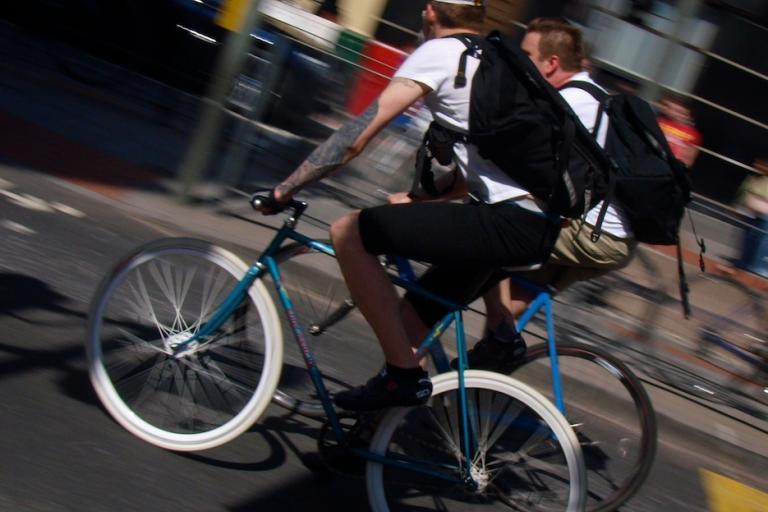 Fixed gear bike running brakeless © Simon MacMichael.jpg