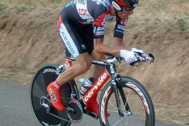 Ivan Basso during 2005 Tour de France (copyright Gsl:Wikimedia Commons).jpg