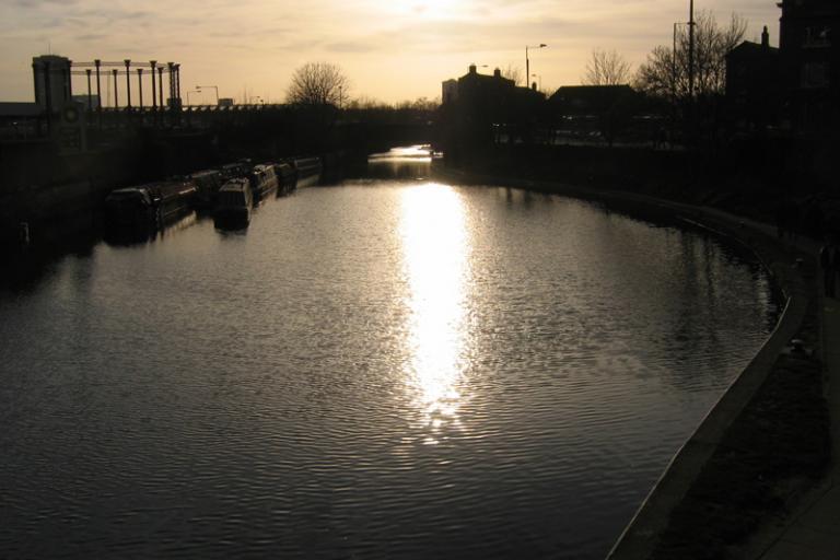 Regent's Canal London (photo: Caroline Ford)