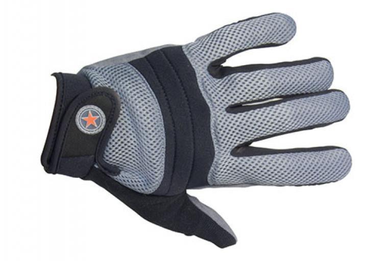 Revolution Essential Three Season glove.jpg