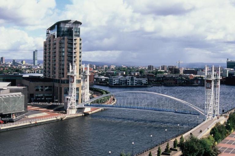 Salford Quays Bridge.jpg
