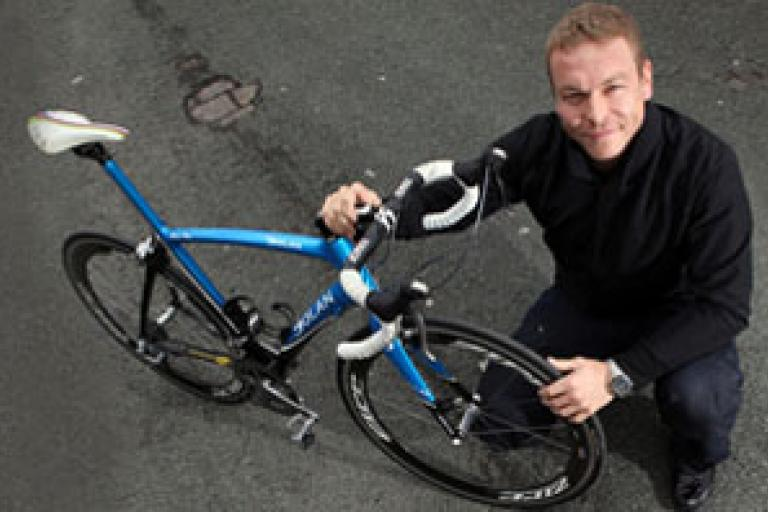 Sir Chris Hoy pothole.jpg