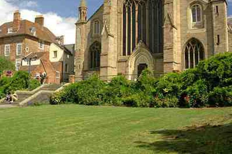 Worcester_cathedral_ (copyrigt Merlin Cooper, Wikimedia Commons).jpg