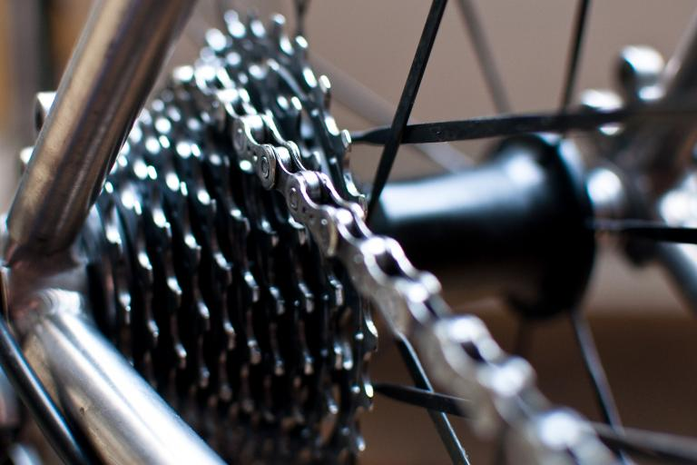 Clean bike chain