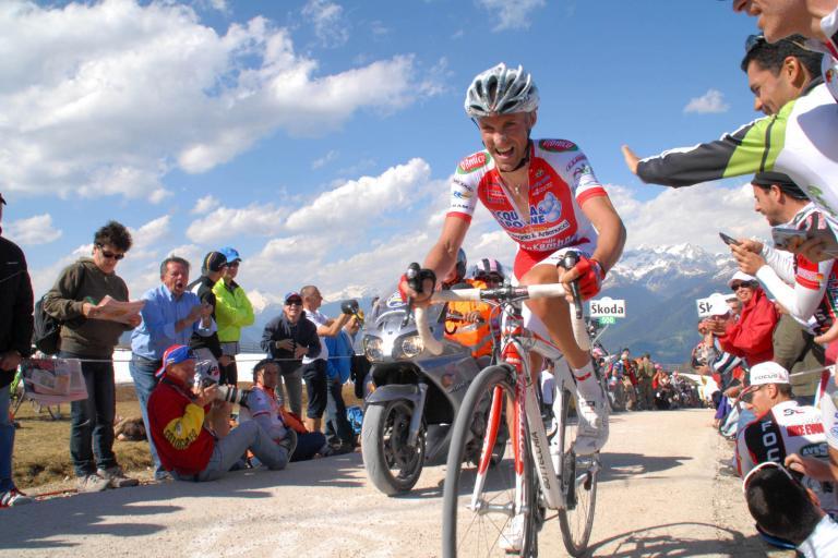Giro 2010 Garzelli wins stage 16