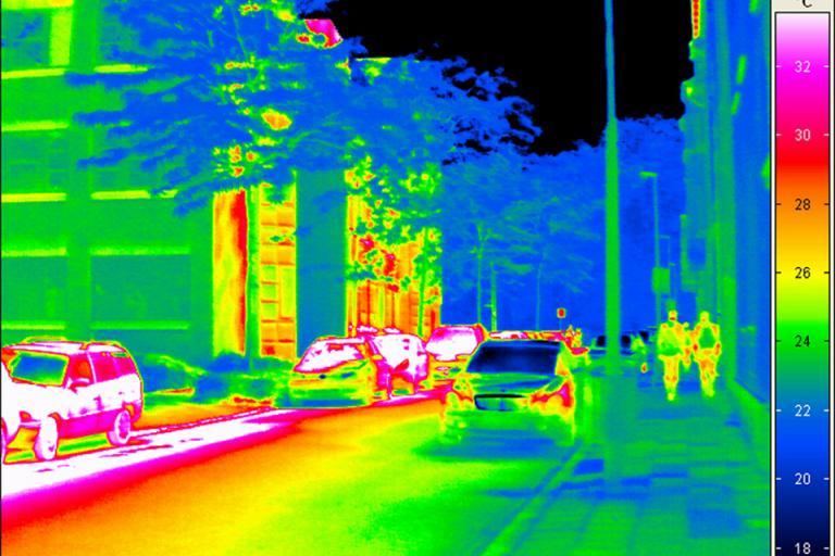 Infrared image of street (©Fraunhofer)