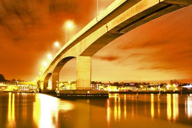 Southampton, Itchen Bridge (© Rhys Jones)