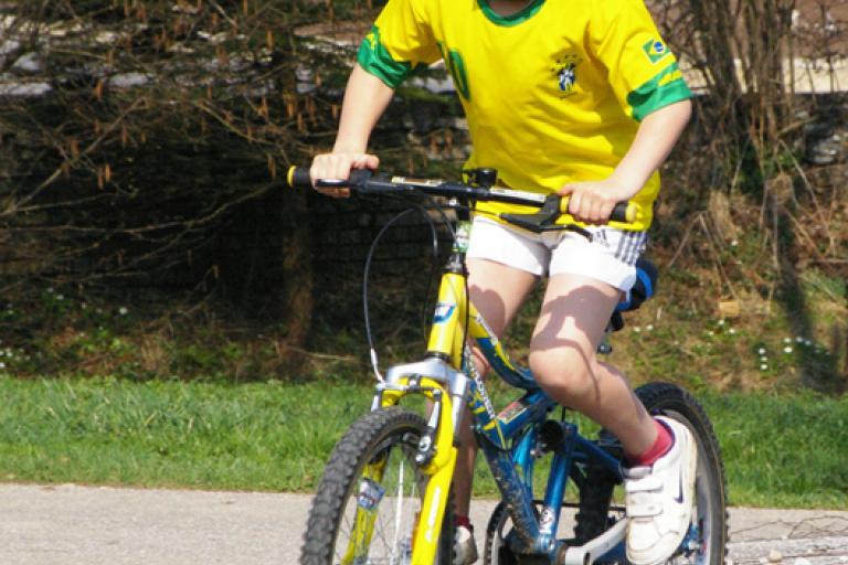 Kid on a bike (Creative Commons Werner100359)