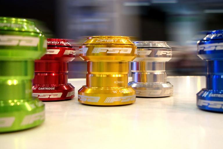 FSA Orbit MX headset colours