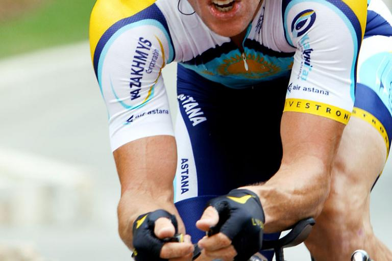Lance Armstrong on new TT bike, Tour de France 2009 (Photosport Intl)