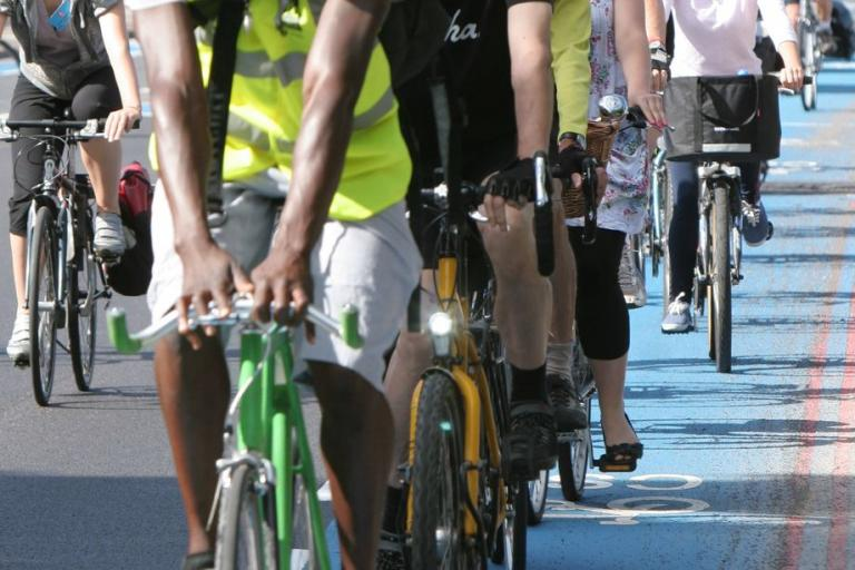 Barclays Cycle Superhighway public on ride